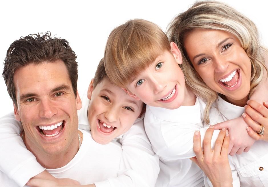 Family-Smile-1024X768-3500-e1331283724182